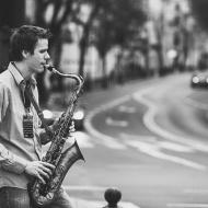 """Jazz w mieście / Derek Brown """"BEATbox SAX"""" / 19.04.2016 / Kap Kap Cafe, fot. Wojtek Kornet - zdjęcie 2/14"""
