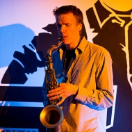 """Jazz w mieście / Derek Brown """"BEATbox SAX"""" / 19.04.2016 / Kap Kap Cafe, fot. Wojtek Kornet - zdjęcie 8/14"""