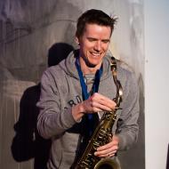 """Jazz w mieście / Derek Brown """"BEATbox SAX"""" / 20.04.2016 / Jezuicka Kuchnia Klasztorna, fot. Wojtek Kornet - zdjęcie 3/8"""