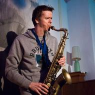"""Jazz w mieście / Derek Brown """"BEATbox SAX"""" / 20.04.2016 / Jezuicka Kuchnia Klasztorna, fot. Wojtek Kornet - zdjęcie 5/8"""