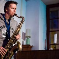 """Jazz w mieście / Derek Brown """"BEATbox SAX"""" / 20.04.2016 / Jezuicka Kuchnia Klasztorna, fot. Wojtek Kornet - zdjęcie 6/8"""