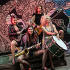 Pożar w Burdelu – Żelazne Waginy – feministyczny horror muzyczny - zdjęcie 2/3