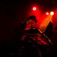 Mateusz Gawęda Trio / Wirydarz Centrum Kultury / 30.07.20174r. / zdj. Adrianna Klimek - zdjęcie 10/13