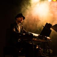 Mateusz Gawęda Trio / Wirydarz Centrum Kultury / 30.07.20174r. / zdj. Adrianna Klimek - zdjęcie 12/13